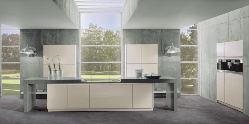 Kuche glasfront fronten aus glas gibt es in verschiedenen for Küche mit glasfront
