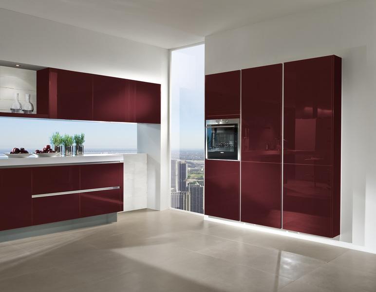 Kuche glasfront fronten aus glas gibt es in verschiedenen for Fronten küche