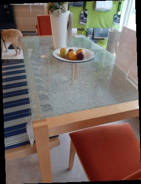 Abverkaufstisch Ahorn mit Bruchglasplatte
